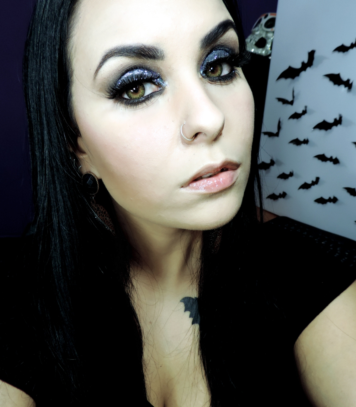 maquiagem vibrante, maquiagem de balada, maquiagem com glitter, olho esfumado, maquiagem de balada com glitter3